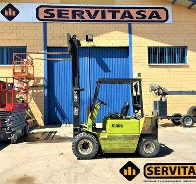 CARRETILLA ELEVADORA DIESEL CLARK GEF6041